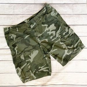 Old Navy Lived-In Straight Camo Cargo Shorts